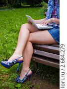 Купить «Ножки деловой девушки», фото № 2684279, снято 8 июля 2011 г. (c) Ольга Аристова / Фотобанк Лори