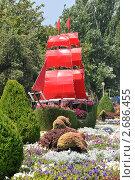 """Купить «Цветочный корабль """"Алые паруса"""", курорт Анапа», фото № 2686455, снято 30 июля 2011 г. (c) Игорь Архипов / Фотобанк Лори"""