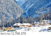 Купить «Сочи. Строящаяся Олимпийская деревня в горном кластере зимой», фото № 2708379, снято 16 февраля 2011 г. (c) Анна Мартынова / Фотобанк Лори