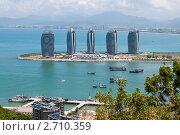Купить «Вид на остров Феникс с горы, Хайнань», фото № 2710359, снято 5 августа 2011 г. (c) Алексей Щукин / Фотобанк Лори