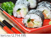 Купить «Роллы с лососем», фото № 2714195, снято 7 августа 2011 г. (c) Марина Сапрунова / Фотобанк Лори