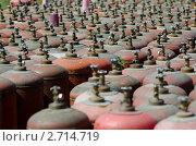 Газовые баллоны. Стоковое фото, фотограф Александр Подшивалов / Фотобанк Лори
