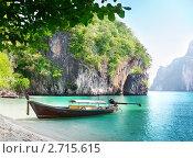 Купить «Лодка у берега моря. Тайланд», фото № 2715615, снято 4 марта 2011 г. (c) Iakov Kalinin / Фотобанк Лори