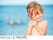 Купить «Маленькая девочка на фоне Красного моря», фото № 2744695, снято 22 февраля 2019 г. (c) Дмитрий Калиновский / Фотобанк Лори