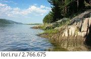 Купить «Каменный берег реки», видеоролик № 2766675, снято 11 декабря 2010 г. (c) Юрий Пономарёв / Фотобанк Лори