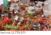 Старые радиодетали на печатной плате, эксклюзивное фото № 2770571, снято 3 сентября 2011 г. (c) Константин Косов / Фотобанк Лори