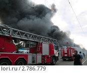 Пожарные автомобили едут на пожар (2009 год). Редакционное фото, фотограф Антон Глущенко / Фотобанк Лори