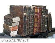 Старые книги. Стоковое фото, фотограф Андрей Марцинкевич / Фотобанк Лори