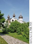 Купить «Покровский собор. Марфо-Мариинская обитель сестер милосердия. Москва», эксклюзивное фото № 2788151, снято 28 мая 2011 г. (c) stargal / Фотобанк Лори