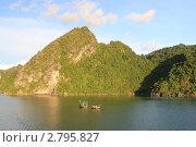 Бухта Халонг, Вьетнам (2011 год). Стоковое фото, фотограф Аблаева Виктория / Фотобанк Лори