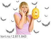 Купить «Девушка с тыквой для Хэллоуина», фото № 2811843, снято 22 февраля 2020 г. (c) Allika / Фотобанк Лори