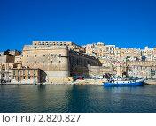 Купить «Вид с моря на Валетту, Мальта», фото № 2820827, снято 17 декабря 2010 г. (c) Яков Филимонов / Фотобанк Лори