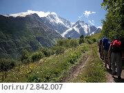 Альпинисты восходят на гору Чегет в Приэльбрусье. Стоковое фото, фотограф Oksana Oleneva / Фотобанк Лори