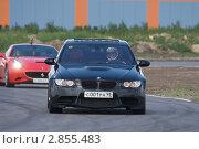 Купить «Спортивные автомобили, участвующие в гонке суперкаров», эксклюзивное фото № 2855483, снято 31 июля 2011 г. (c) Литвяк Игорь / Фотобанк Лори
