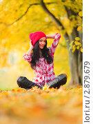Купить «Девушка в осеннем парке», фото № 2879679, снято 8 октября 2010 г. (c) Иван Михайлов / Фотобанк Лори