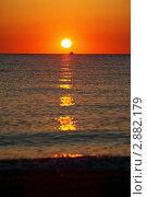 Купить «Закат над морем», фото № 2882179, снято 30 июля 2010 г. (c) Losevsky Pavel / Фотобанк Лори