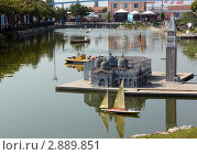 Миниатюрная крепость на воде (2011 год). Редакционное фото, фотограф Людмила Жукова / Фотобанк Лори