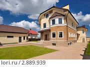 Купить «Дом», фото № 2889939, снято 14 мая 2011 г. (c) Илья Лиманов / Фотобанк Лори