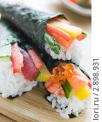 Купить «Суши с овощами», фото № 2898931, снято 11 апреля 2007 г. (c) Monkey Business Images / Фотобанк Лори