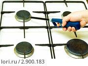 Купить «Поджиг для газовой плиты в руке», фото № 2900183, снято 17 октября 2011 г. (c) Юрий Плющев / Фотобанк Лори