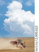 Купить «Посевные работы», фото № 2900623, снято 27 августа 2011 г. (c) Икан Леонид / Фотобанк Лори