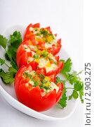 Купить «Русский салат в помидорах», фото № 2903275, снято 14 августа 2011 г. (c) Elnur / Фотобанк Лори