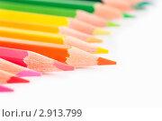 Купить «Крупным планом цветные карандаши на белой бумаге», фото № 2913799, снято 30 октября 2011 г. (c) Николай Винокуров / Фотобанк Лори