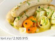 Купить «Сосиски с овощами», эксклюзивное фото № 2920915, снято 1 сентября 2011 г. (c) Александр Курлович / Фотобанк Лори