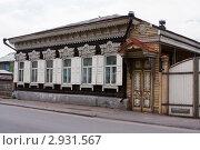 Архитектура Улан-Удэ: деревянный дом с ажурной резьбой (2007 год). Стоковое фото, фотограф Солодовникова Елена / Фотобанк Лори