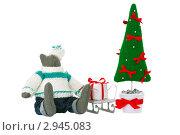 Несколько самодельных рождественских игрушек на белом фоне. Стоковое фото, фотограф Иван Коваленко / Фотобанк Лори