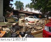 Купить «Испорченные вещи. Последствия наводнения.», фото № 2957531, снято 5 мая 2007 г. (c) EXG / Фотобанк Лори