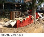 Купить «Испорченные вещи. Последствия наводнения.», фото № 2957535, снято 5 мая 2007 г. (c) EXG / Фотобанк Лори