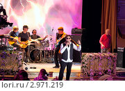 Купить «Григорий Лепс. Концерт», эксклюзивное фото № 2971219, снято 12 ноября 2011 г. (c) Татьяна Белова / Фотобанк Лори