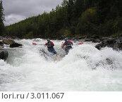 Купить «Сплав по горной реке», фото № 3011067, снято 8 сентября 2004 г. (c) Александр Литовченко / Фотобанк Лори
