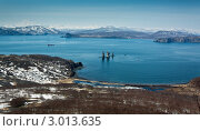 Купить «Скалы Три Брата, Авачинская бухта, полуостров Камчатка», фото № 3013635, снято 16 мая 2010 г. (c) А. А. Пирагис / Фотобанк Лори
