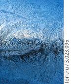 Купить «Художница-зима - морозные узоры на стекле», фото № 3023095, снято 25 ноября 2011 г. (c) Светлана Ильева (Иванова) / Фотобанк Лори