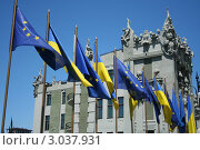 Купить «Дом с химерами. Киев», фото № 3037931, снято 21 июня 2009 г. (c) kiyanochka / Фотобанк Лори