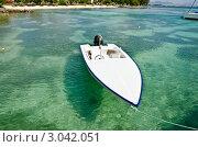 Лодка в красивой морской лагуне. Стоковое фото, фотограф Юрий Петров / Фотобанк Лори