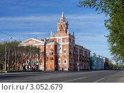 Дом со шпилем - символ Комсомольска-на-Амуре (2011 год). Редакционное фото, фотограф Михаил Марковский / Фотобанк Лори