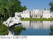 Купить «Китайский пруд и дворец. Ораниенбаум», эксклюзивное фото № 3061075, снято 27 августа 2011 г. (c) Александр Щепин / Фотобанк Лори