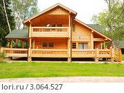 Купить «Деревянный дом», фото № 3064527, снято 21 июня 2008 г. (c) Николай Охитин / Фотобанк Лори