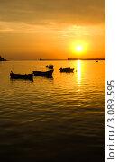Лодки и берега на фоне заката. Стоковое фото, фотограф Sviatoslav Homiakov / Фотобанк Лори