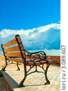 Скамейка на набережной. Стоковое фото, фотограф Sviatoslav Homiakov / Фотобанк Лори