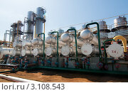 Купить «Вид на завод по переработке газа», фото № 3108543, снято 18 августа 2009 г. (c) Николай Забурдаев / Фотобанк Лори