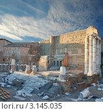 Храм Марса Ультора (Mars Ultor), форум Августа (Augustus Forum). Рим, Италия. (2007 год). Стоковое фото, фотограф Jelena Dautova / Фотобанк Лори