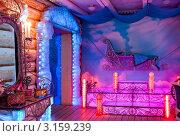 Купить «Интерьер в Тереме Снегурочки. Сани», фото № 3159239, снято 17 января 2012 г. (c) ElenArt / Фотобанк Лори