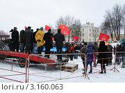 Купить «Автомобиль, как трибуна для выступления на митинге», фото № 3160063, снято 24 декабря 2011 г. (c) Сергей Бойков / Фотобанк Лори