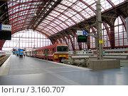 Купить «Железнодорожный вокзал города Антверпена, Бельгия», эксклюзивное фото № 3160707, снято 24 июля 2011 г. (c) Илюхина Наталья / Фотобанк Лори
