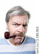 Купить «Мрачный пожилой мужчина с трубкой во рту, изолированно на белом фоне», фото № 3180963, снято 14 августа 2018 г. (c) Максим Бондарчук / Фотобанк Лори
