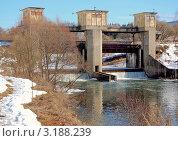 Купить «Старая плотина на р. Протве в г. Обнинске», эксклюзивное фото № 3188239, снято 27 марта 2009 г. (c) Алёшина Оксана / Фотобанк Лори